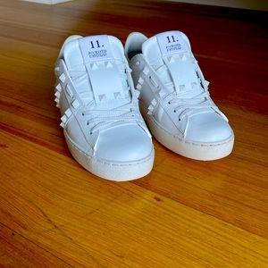 Valentino Untitled Rockstud Sneaker - White